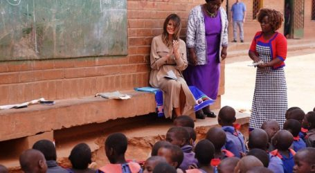 Η Μελάνια Τραμπ σε σχολείο στο Μαλάουι