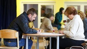 Προβάδισμα του φιλορωσικού κόμματος δείχνουν δημοσκοπήσεις