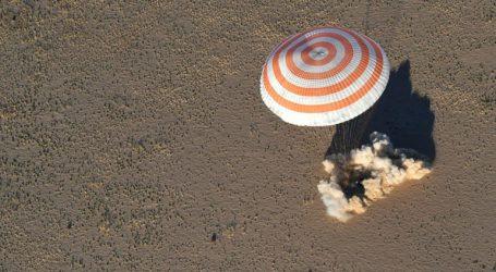 Ασφαλής η επιστροφή των δύο αστροναυτών στο κοσμοδρόμιο του Μπαϊκονούρ του Καζακστάν