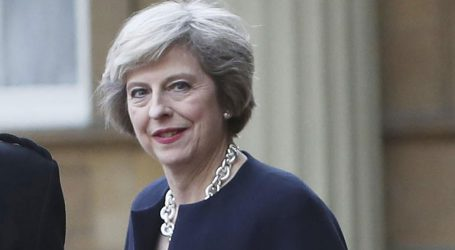 Η Μέι ενημέρωσε μέλη του υπουργικού της συμβουλίου ότι η συμφωνία για το Brexit είναι κοντά