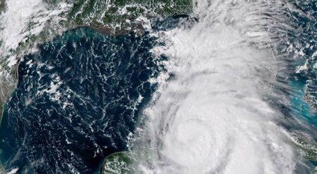 Η τροπική καταιγίδα Μάικλ απειλεί τη Βόρεια Καρολίνα και τη Βιρτζίνια