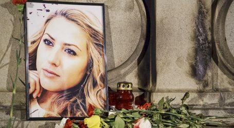 Συγκίνηση και οργή στην κηδεία της δημοσιογράφου