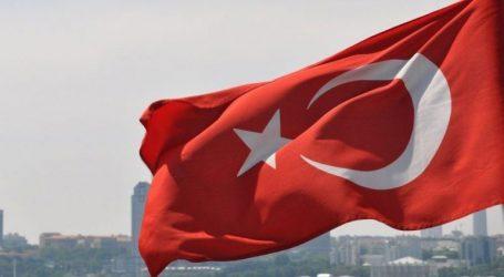 «Ειρηνευτική επιχείρηση η εισβολή στην Κύπρο το 1974»