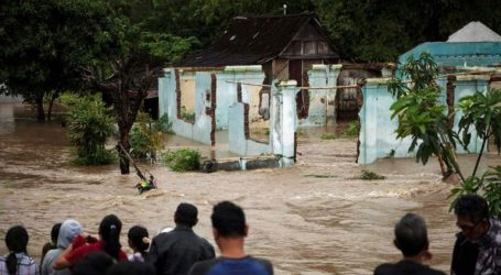 Τουλάχιστον 22 νεκροί από τις καταρρακτώδεις βροχές στη Σουμάτρα