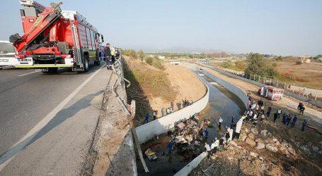 Τουλάχιστον 15 νεκροί από πτώση φορτηγού σε αρδευτικό κανάλι στην Τουρκία