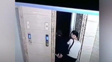 Το βίντεο που διχάζει την Κίνα. Άνοιξε στον πεθερό του την πόρτα του ανσανσέρ και αυτός βρέθηκε… στο κενό