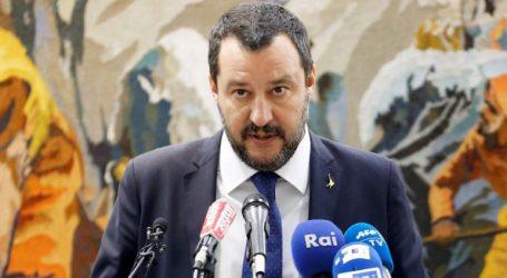 Υπ. Εσωτερικών: «Δεν θα γίνουν υποχρεωτικές μετακινήσεις μεταναστών από το Ριάτσε»
