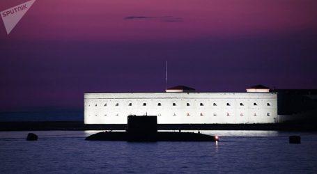 Ρωσικό υποβρύχιο έσβησε τα συστήματά του και «κρύφτηκε» στον βυθό