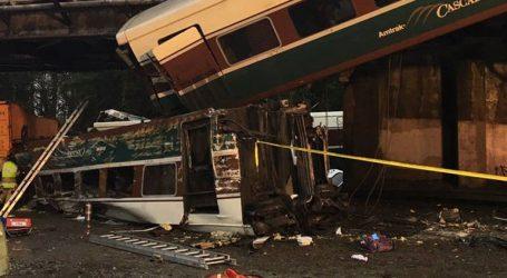 Τουλάχιστον έξι νεκροί και 86 τραυματίες από εκτροχιασμό τρένου
