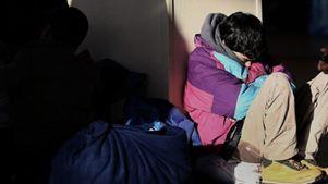 Όλο και περισσότεροι ανήλικοι στη Γαλλία υποφέρουν από έλλειψη φροντίδας