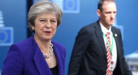 Handelsblatt: «Brexit – Η ελπίδα πεθαίνει τελευταία»