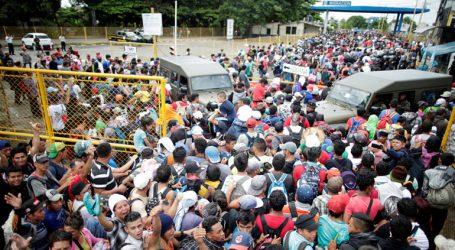 Επεισοδιακό μαζικό πέρασμα μεταναστών σε μεξικάνικο έδαφος από τη Γουατεμάλα