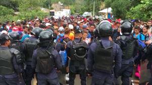 Μαζική διαδήλωση στην Τεγκουσιγκάλπα υπέρ του «καραβανιού» των μεταναστών