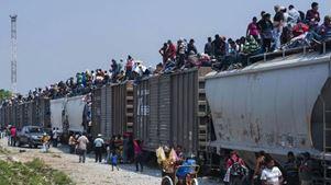 Χιλιάδες μετανάστες παραμένουν εγκλωβισμένοι στα σύνορα της χώρας με τη Γουατεμάλα