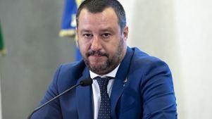 Ο Μ. Σαλβίνι λέει ότι θα στείλει αστυνομικούς στα σύνορα με τη Γαλλία