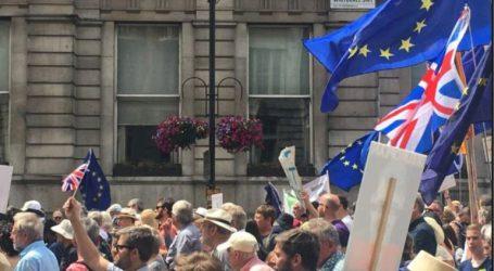 Διαδήλωση κατά του Brexit με σύνθημα «να μείνουμε μαζί»
