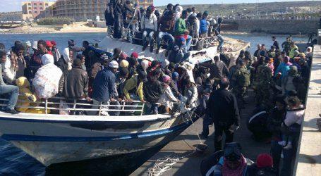 Μετανάστες που μεταφέρθηκαν στην Ιταλία και τη Μάλτα περιμένουν ακόμη τη μετεγκατάστασή τους