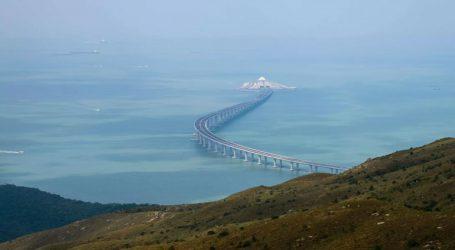 Παραδίδεται στην κυκλοφορία η μεγαλύτερη θαλάσσια γέφυρα του κόσμου