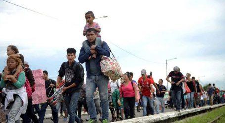 Ο πρόεδρος της Ονδούρας υπόσχεται δουλειά στους συμπατριώτες του από το «καραβάνι» μεταναστών