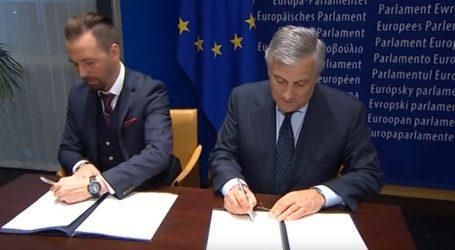 Συμφωνία για την κάλυψη των ευρωεκλογών από δημόσιους περιφερειακούς τηλεοπτικούς σταθμούς
