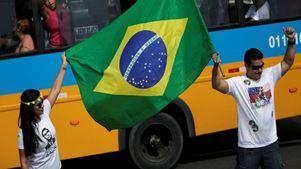 Στις κάλπες προσέρχονται οι Βραζιλιάνοι σε μια κρίσιμη εκλογική αναμέτρηση
