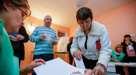 Στις κάλπες προσέρχονται οι Γεωργιανοί σε ένα τεστ για το κυβερνών κόμμα