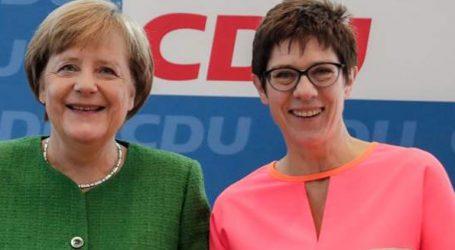 Η Ανεγκρέτ Κραμπ-Κάρενμπάουερ υποψήφια για την προεδρία της CDU