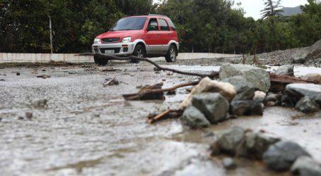 Μετρούν τις πληγές τους στο Μαντούδι από το πέρασμα του κυκλώνα