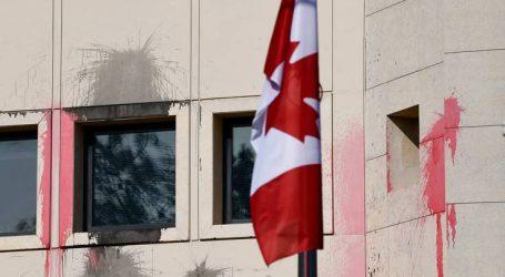 Ο «Ρουβίκωνας» ανέλαβε την ευθύνη για την επίθεση στην πρεσβεία του Καναδά