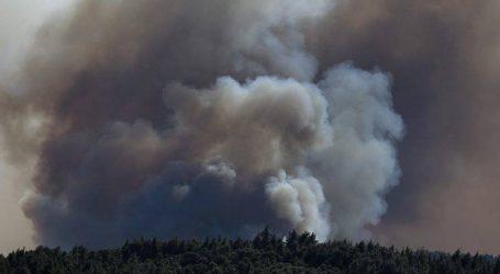 Ενισχύονται οι δυνάμεις πυρόσβεσης στη Σιθωνία για το μεγάλο μέτωπο της φωτιάς