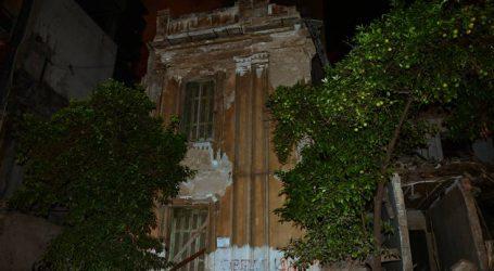 Δείτε τις εικόνες από την κατάρρευση κτιρίου στον Πειραιά