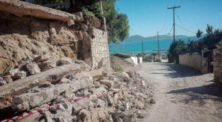 Εκκενώθηκαν τρία σπίτια που κινδυνεύουν από πτώση βράχου στη Ζάκυνθο
