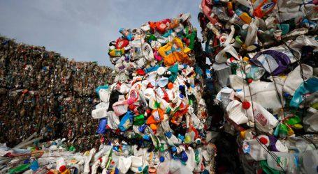 Η εταιρεία που δεσμεύεται να χρησιμοποιεί περισσότερο ανακυκλωμένο πλαστικό