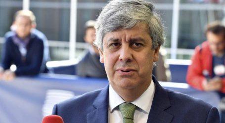 Συμφωνία για τον προϋπολογισμό της Ιταλίας βλέπει ο Σεντένο