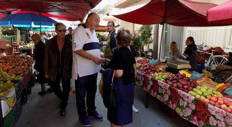Στη λαική αγορά ο Αχιλλέας Μπέος