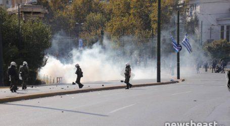 Συνεχίζεται η ένταση στο κέντρο της Αθήνας