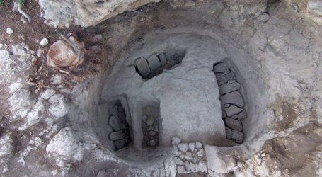 Ασύλητος θαλαμοειδής τάφος αποκαλύφθηκε στο μυκηναϊκό νεκροταφείο της Νεμέας