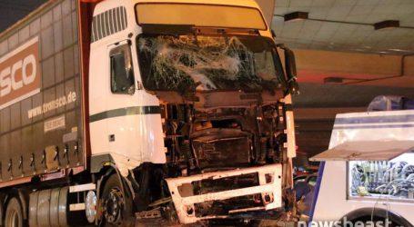 «Είδα το φορτηγό από τον καθρέφτη να έρχεται πάνω μας αφρενάριστο»