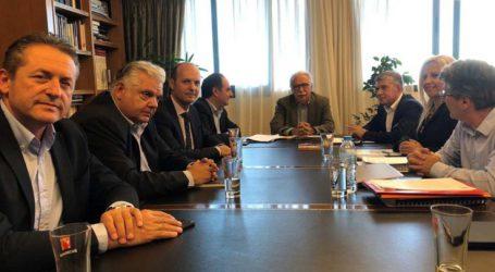 Συνάντηση του Υπουργού Παιδείας Κ. Γαβρόγλουμε τον Περιφερειάρχη Θεσσαλίας Κ. Αγοραστό και Αντιπεριφερειάρχες
