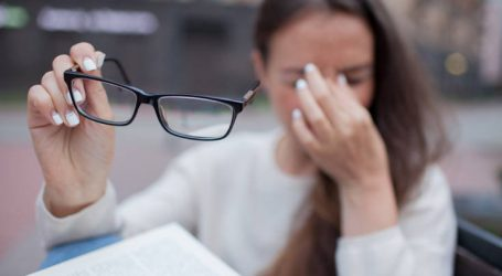 Αυστηρό μήνυμα Πολάκη προς τους οπτικούς για την προπληρωμή