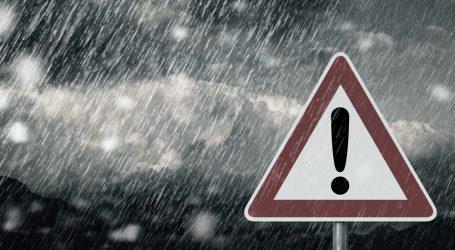 Επιδείνωση του καιρού από τη Δευτέρα με κατά τόπους ισχυρές βροχές και καταιγίδες