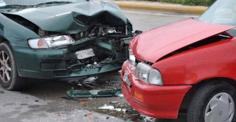 Σύγκρουση αυτοκινήτων στη Λάρισα με τραυματισμό