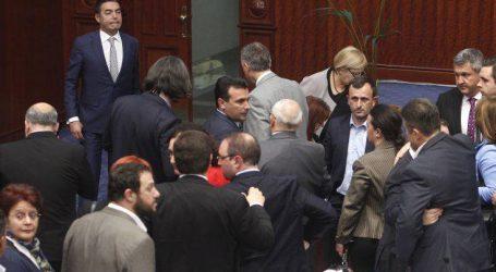 Ο Ζάεφ βρήκε τους 80 βουλευτές στη σκιά των καταγγελιών για χρηματισμό
