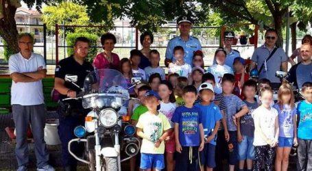 Με επιτυχία ολοκληρώθηκαν ενημερωτικές διαλέξεις με θέματα την κυκλοφοριακή αγωγή και την οδική ασφάλεια σε μαθητές σχολείων του νομού Τρικάλων