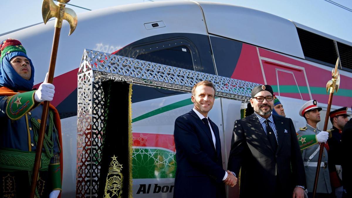 Ο Βασιλιάς του Μαρόκου μαζί με τον πρόεδρο της Γαλλίας στα εγκαίνια του ταχύτερου τρένου της Αφρικής