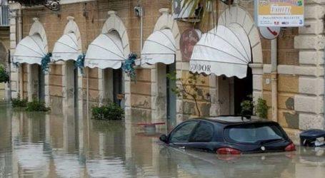 Δέκα νεκροί, εκ των οποίων μια 9μελής οικογένεια, από τις πλημμύρες στη Σικελία