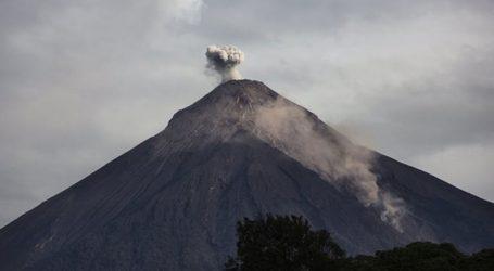 Ενεργοποιήθηκε ξανά το ηφαίστειο Ελ Φουέγο