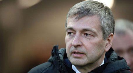 Εκτός από τον Ριμπολόβλεφ τέθηκαν υπό κράτηση και πρώην δικαστικοί υπάλληλοι του Μονακό