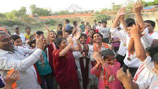 Μία παγκόσμια πορεία για την ειρήνη ενός Ινδού ακτιβιστή