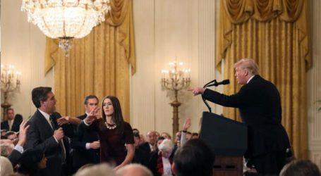 Κατηγόρησε ΜΜΕ, προσέβαλε δημοσιογράφους, χλεύασε Ρεπουμπλικάνους
